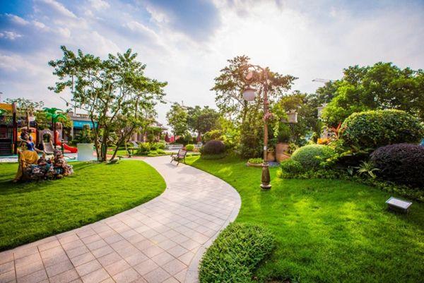 """回家犹如""""逛公园"""" 昆明今年还将评85个园林小区"""