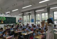 杭州小学校长:调整入学截止日缓解不了家长的焦虑