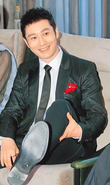 黄晓明曾为电影跑伤脚筋 若当导演不会找baby拍戏