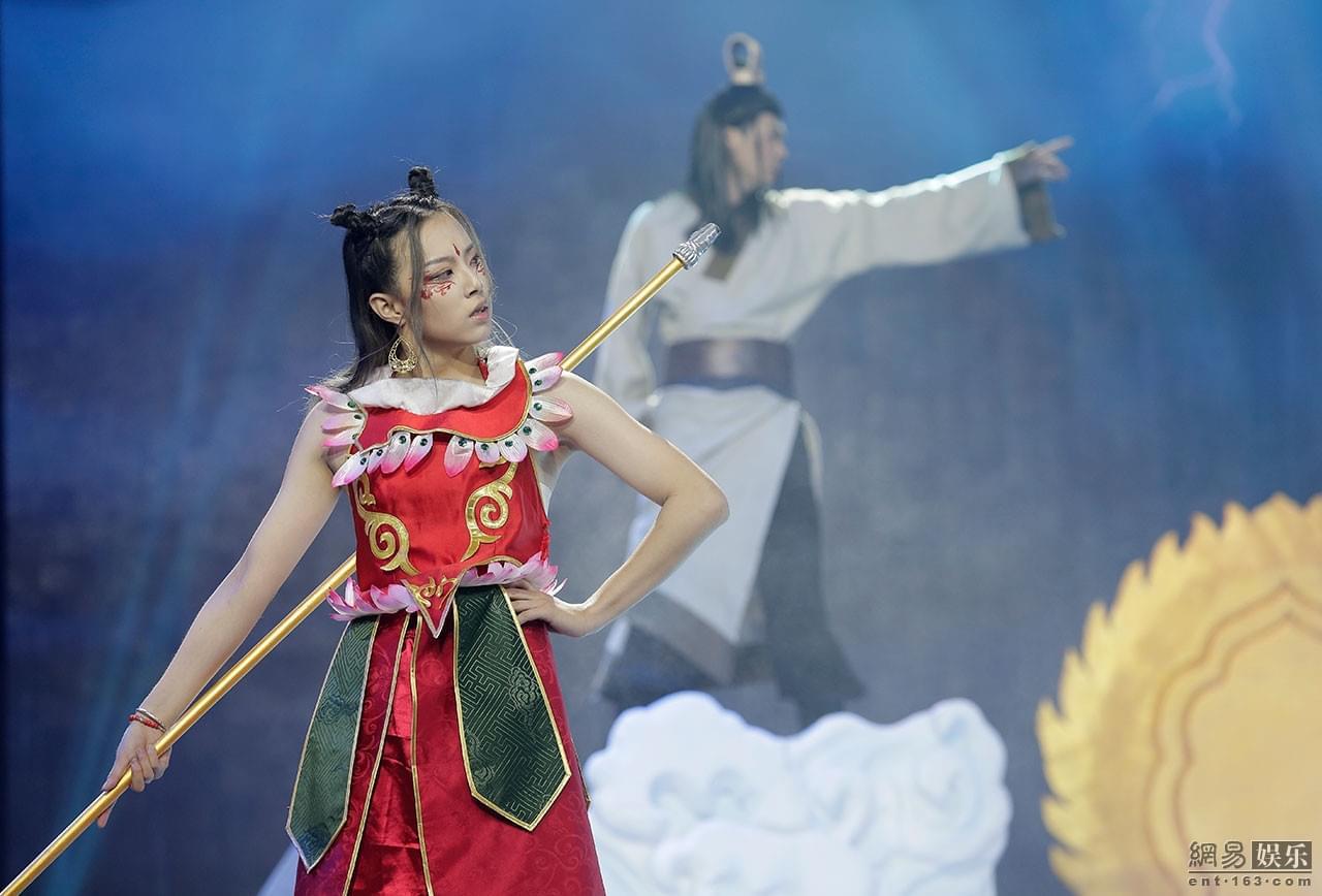 """《二次元》曹云金""""乌鸦嘴""""预言李艺彤将遭淘汰"""