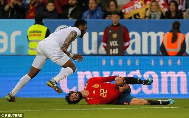 伊斯科因伤或缺席马德里德比 这一铲要了皇马命!