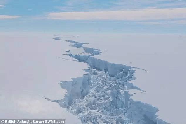 史上最大的冰山永远脱离了南极大陆 全世界科学家心情