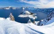 令人惊叹的火山口湖