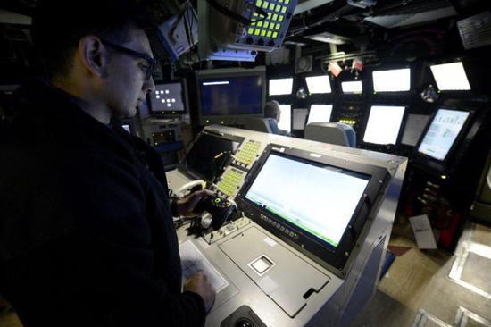 微软大法好!美军潜艇将Xbox手柄整合进控制系统