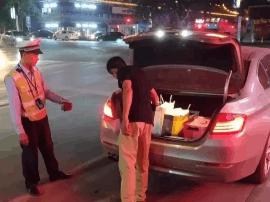 宣传攻坚战:新绛交警开展夜查统一行动