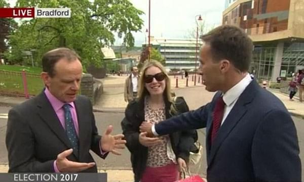 "BBC男主持直播时""误""袭胸女路人引热议"