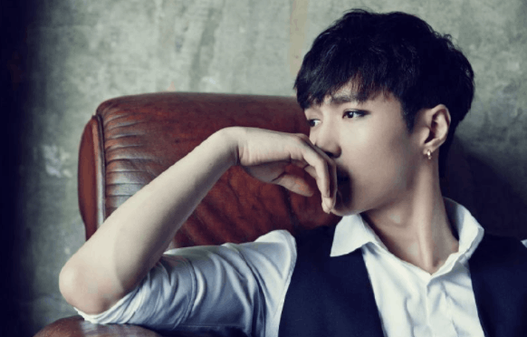 EXO队长说想念张艺兴 网友:不用了