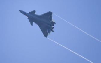 中国国防费连续第三年以个位数增长 专家解读