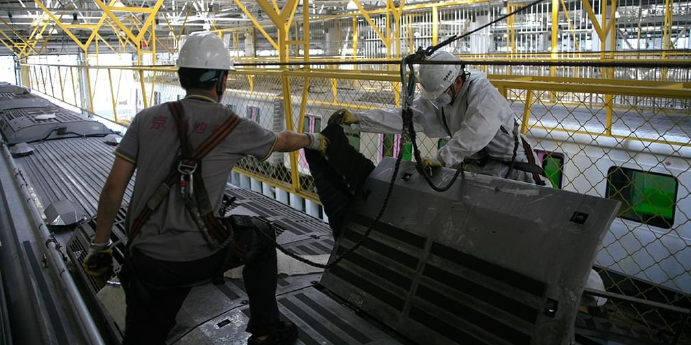 """探访京城地铁""""体检中心""""空调滤网脏如黑炭"""