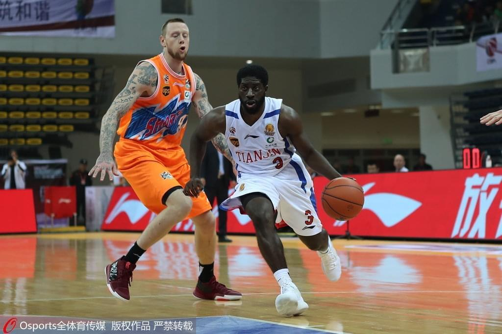 上海11分逆转天津取首胜 4人上双明纳拉斯砍42+9