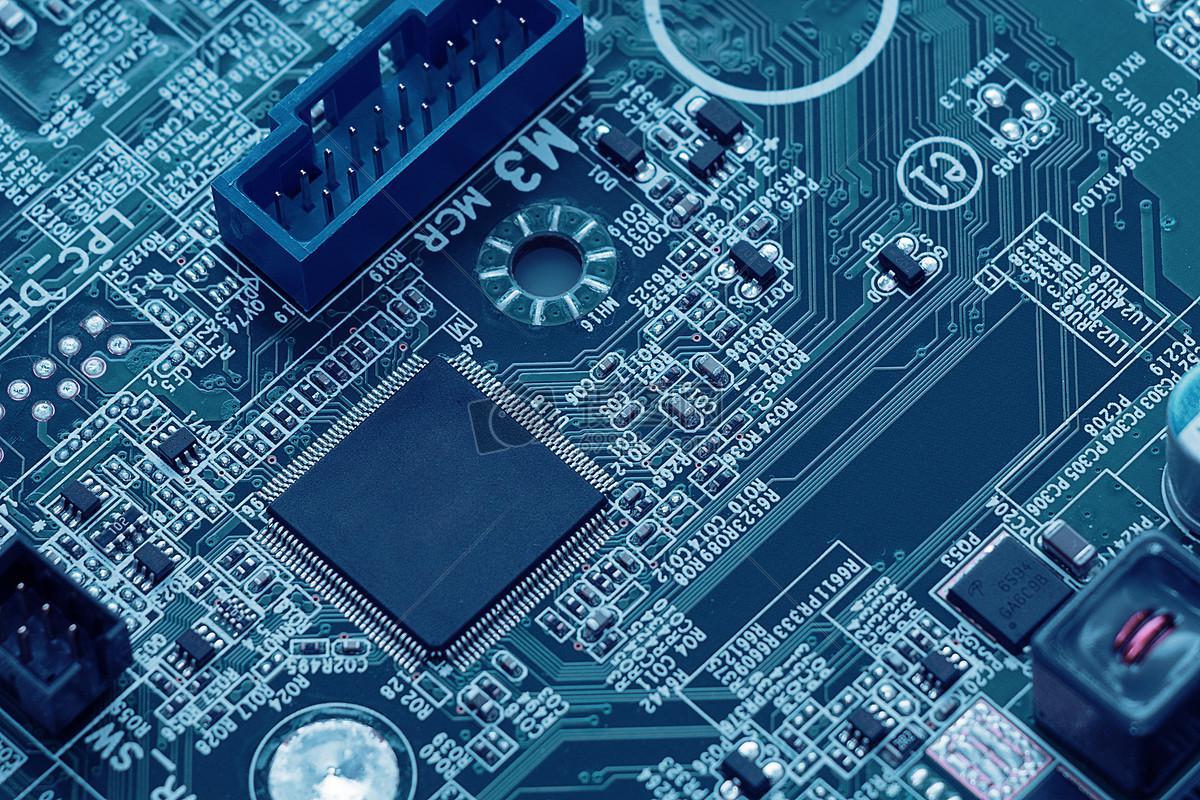 自主创新很难但要做 芯片国产化需全生态链支持