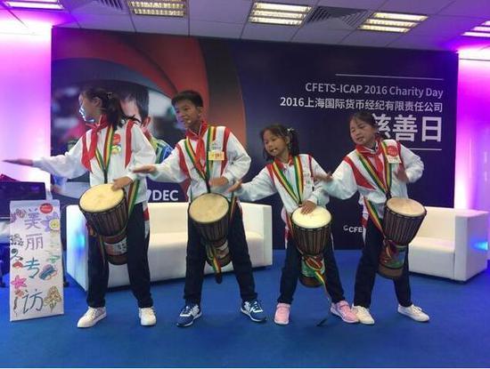认识一下我们苗田小学的四位小鼓手。
