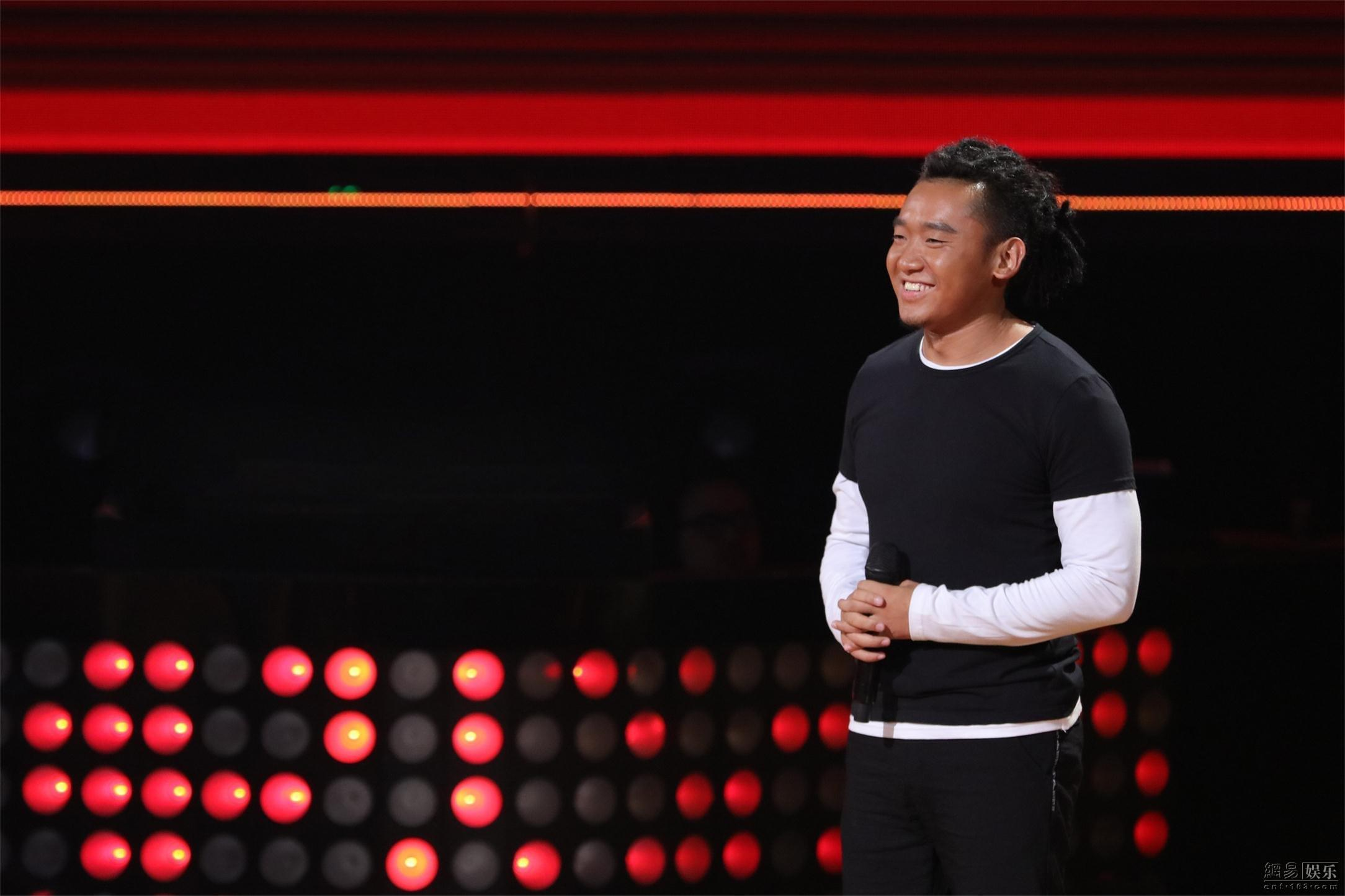《新歌声》西藏数学老师藏语rap领民族说唱风