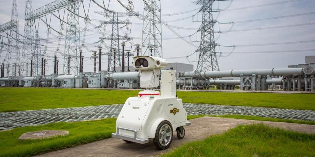 申城特高压变电站:20名工作人员+2台机器人