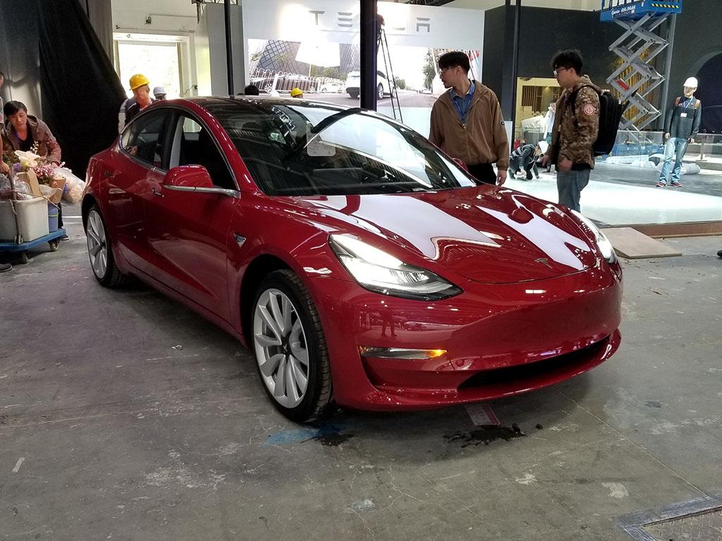 预计2019年交付 特斯拉Model 3展前亮相