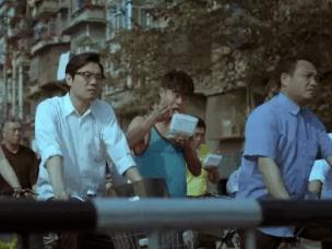 重庆是停了电的香港,武汉是谜一般的浮城
