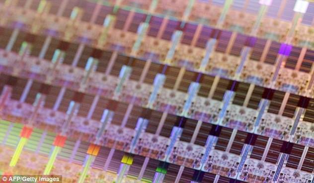 英特尔承认芯片漏洞,但否认修复后会降低运行速度