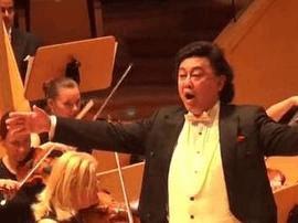 冯宝宏在波兰波罗的海音乐厅演唱