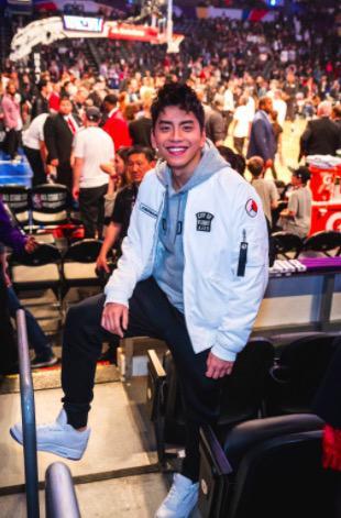 王大陆首度观战NBA 跨界合作进军国际市场