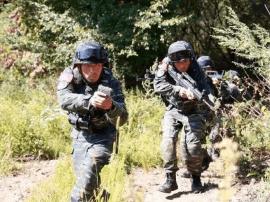 吉林武警版战狼!深山密林中的惊险刺激镜头