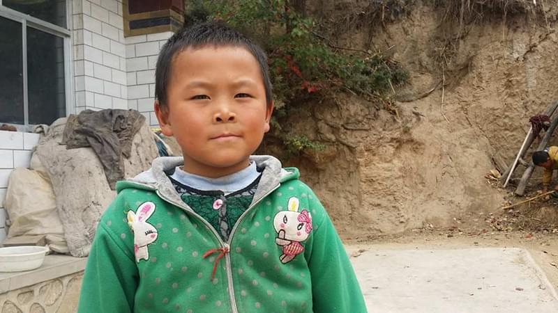 """""""他的妈妈前年去了新疆,换了电话号码,联系不上了,也不知道具体在哪个城市"""""""