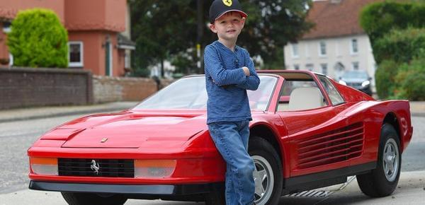 """世界最""""壕""""玩具车售64万 价格逆天"""