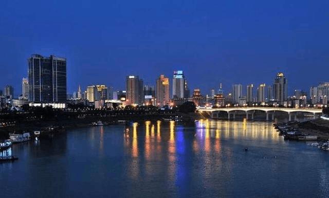 广西一座边陲古城 未来将打造成国家高铁枢纽中心