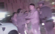 男子酒后打架斗殴 拒不配合执法打砸警车