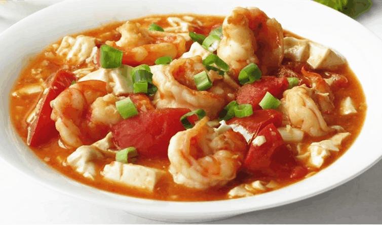 鲜虾番茄豆腐: 秀色可餐 鲜味十足的美味家常菜