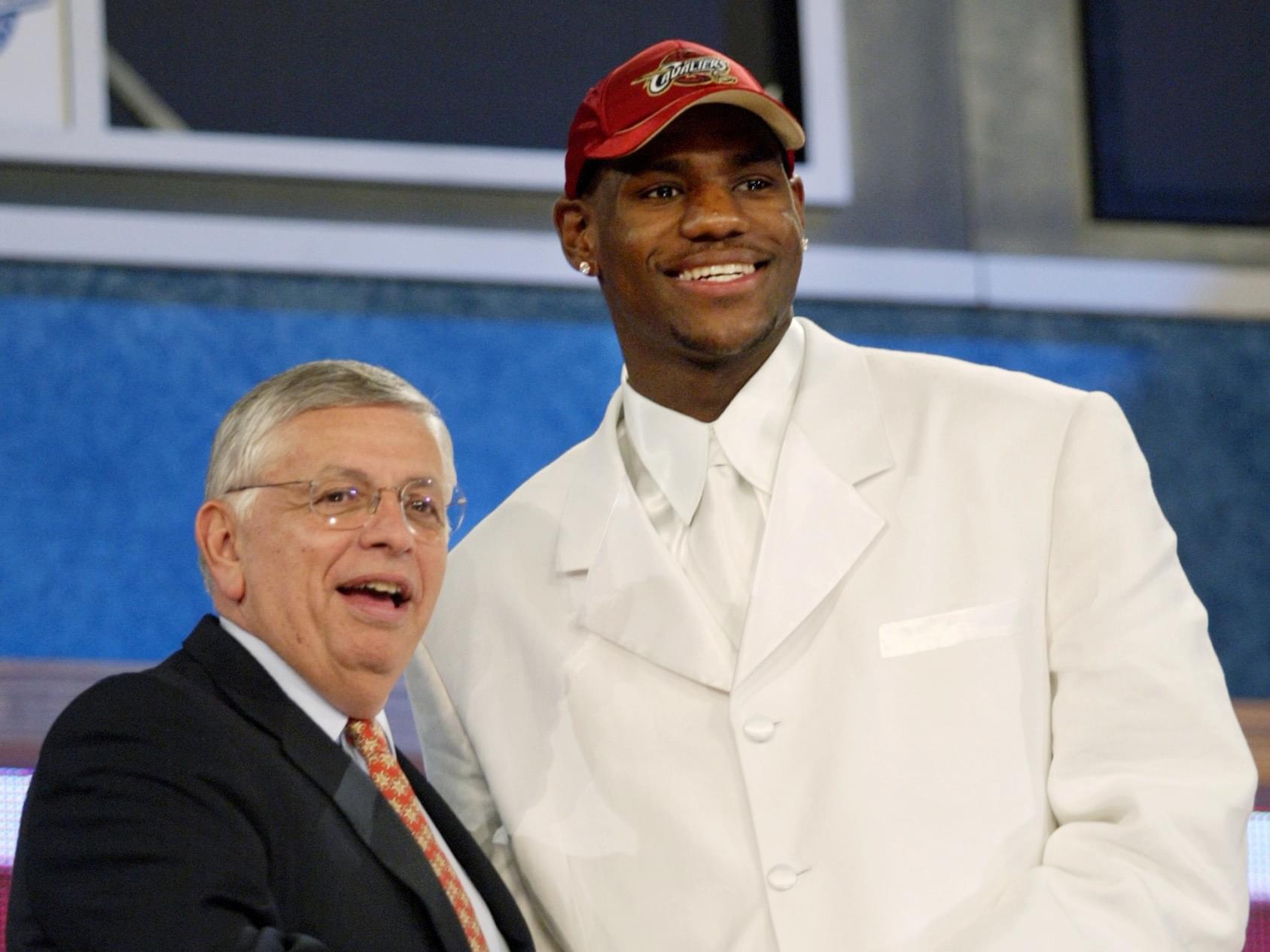 詹皇:生涯最巔峰是選秀那夜 成NBA門面沒球技不行