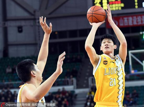 队史首次!广厦胜山西锁常规赛冠军 胡金秋37分