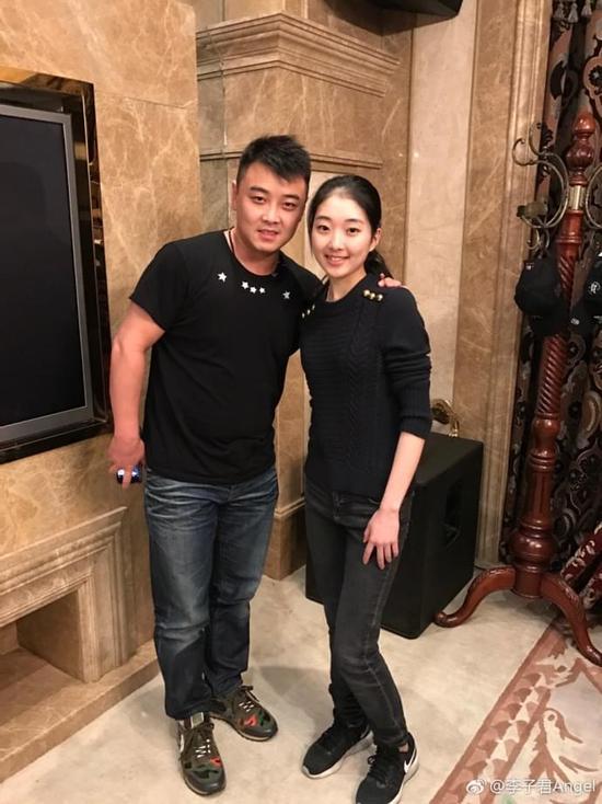 """王皓要为樊振东""""包办婚姻""""?晒李子君合影被网友调侃"""