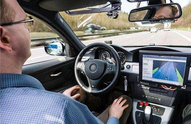 加州允许无安全驾驶员自动驾驶汽车上路测试