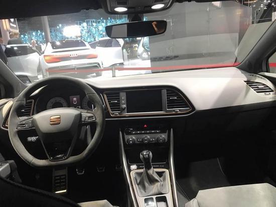 300匹前驱 西雅特LEON Cupra R首次发布