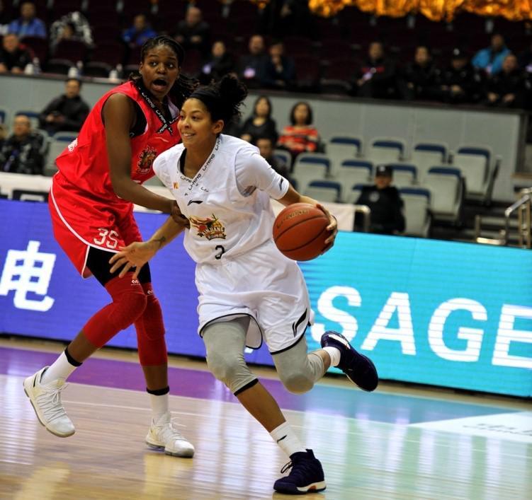 帕克王丽丽联手贡献70分 新疆女篮主场胜山西