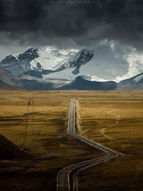 世界最长穿越沙漠公路就在中国 北京出发一路美到新疆
