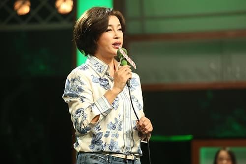 《脱口秀大会》刘晓庆放话不欺负新人