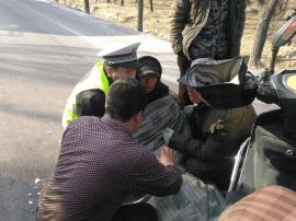 朔州交警热心救助 暖了受伤老人心