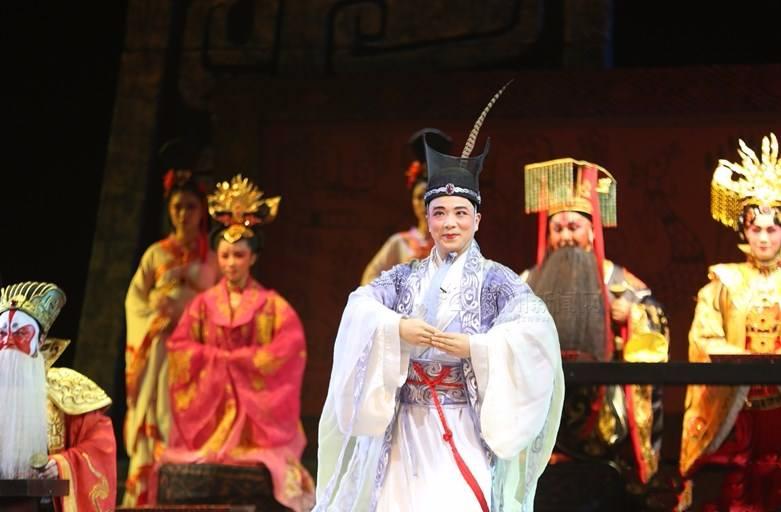 棒!荆州原创汉剧《优孟衣冠》巡演大获好评