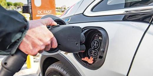 100万辆 中国成新能源汽车保有量最大的国家