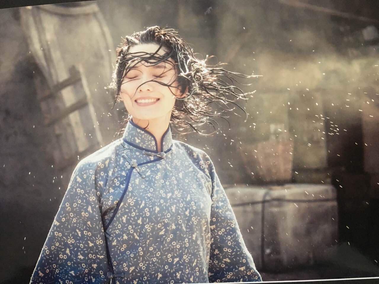 《剃刀边缘》再播 林源饰九儿令人记忆犹新