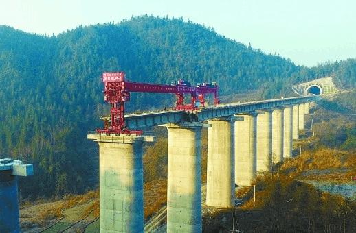 正在建设!黔张常铁路预计2019年建成通车