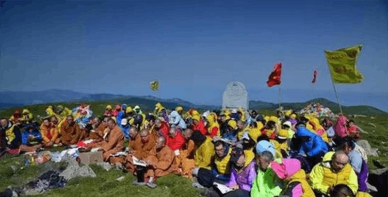 五台山文殊洞圆满举办第二届环保朝台行