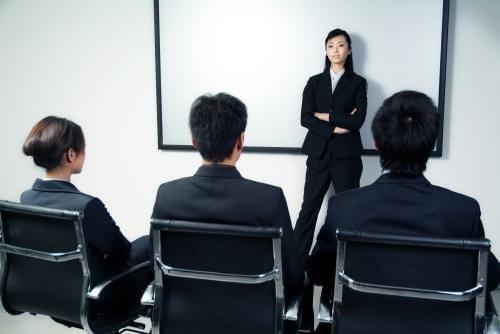 """""""刁钻""""求职面试对大学生是种提醒"""