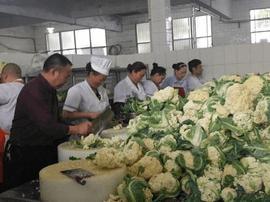 高校获赠一万斤花菜 于是午餐变成了这样