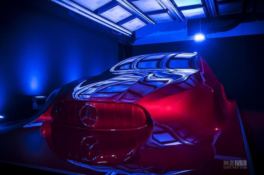 凶悍中不失优雅 奔驰发布未来紧凑级车型设计理念
