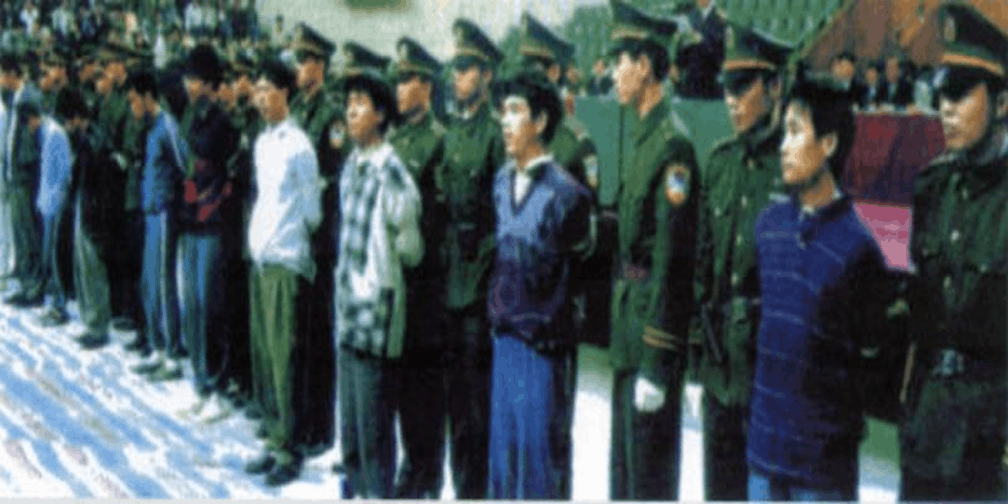 直击番禺1500万大劫案犯罪嫌疑人被押解回广州