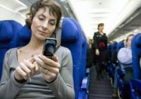 离在飞机上用手机又近一步!民航局发布《指南》