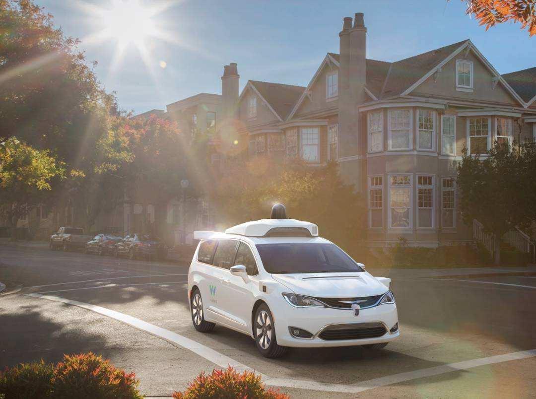 waymo完成600万英里路测 今年推自动驾驶打车服务