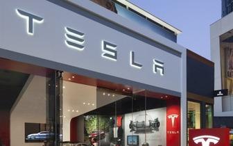 特斯拉再造致死事故 引发科技企业造车危机